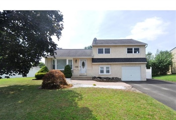 359 Henry Ave, Warminster, PA 18974